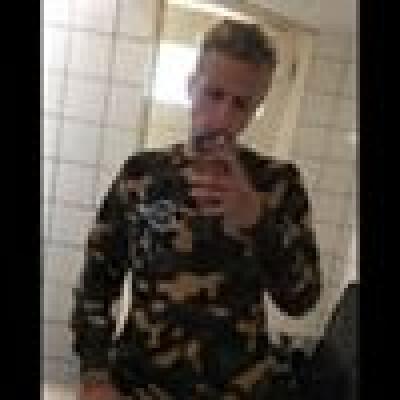 Viktor zoekt een Kamer / Studio / Woonboot in Groningen