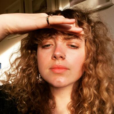 Iris zoekt een Kamer / Appartement / Studio in Groningen